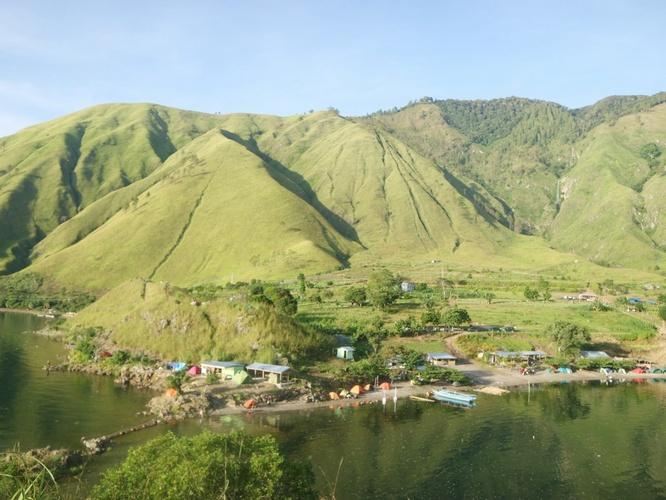 Wisata Danau Toba   Paropo View