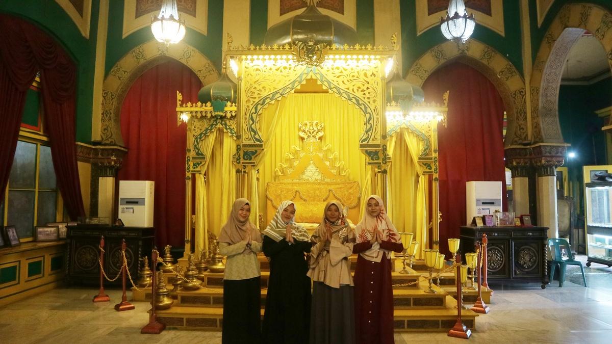 wisata ditutup karena corona   Istana maimun