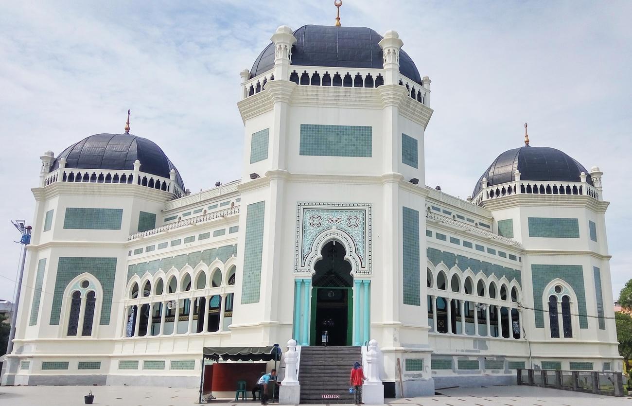Al Mashun wisata religi di Medan