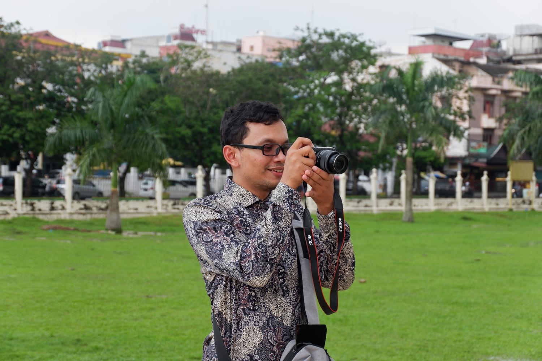 menjadi travel blogger