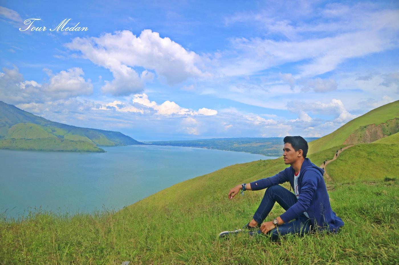 Foto Danau Toba ; Paropo