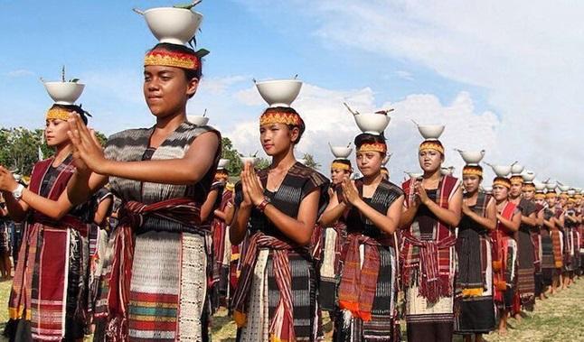 Toba Tarian Tradisional Sumatera utara