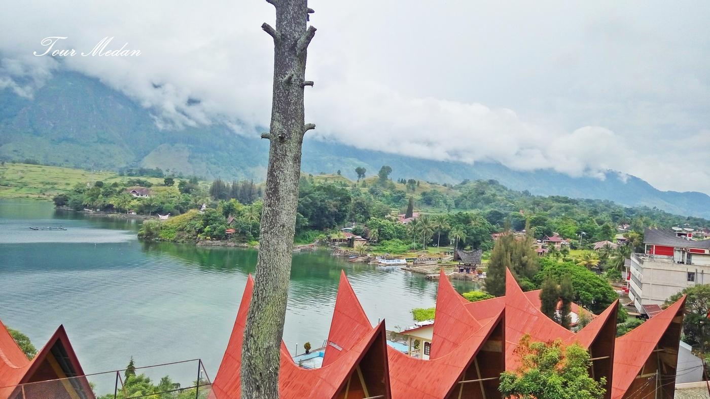 Foto Danau Toba : Desa Tuk Tuk